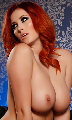 Lucy Vixen Getting Topless