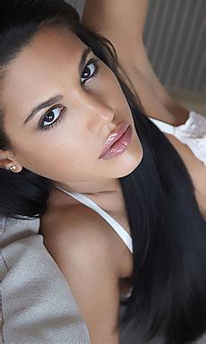 Spanish Girl Apolonia Spreads