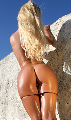 Oiled Up Petra